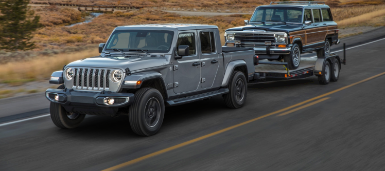 Jeep_Gladiator_towing